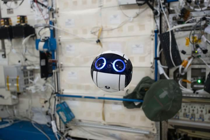 Uzay İstasyonu'ndaki bu sevimli drone astronotlara yardımcı oluyor