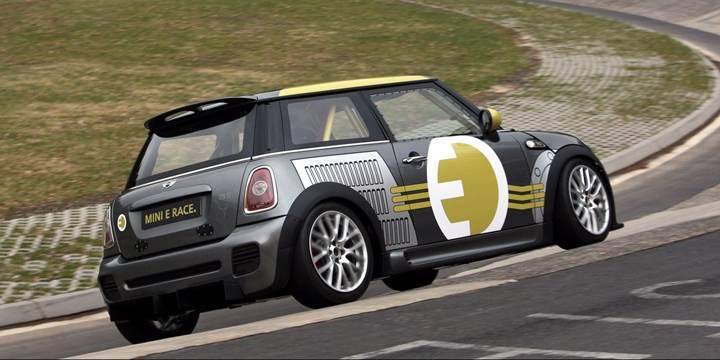 BMW, elektrikli modellerin önünü açacak yeni bir araç mimarisi geliştirdi