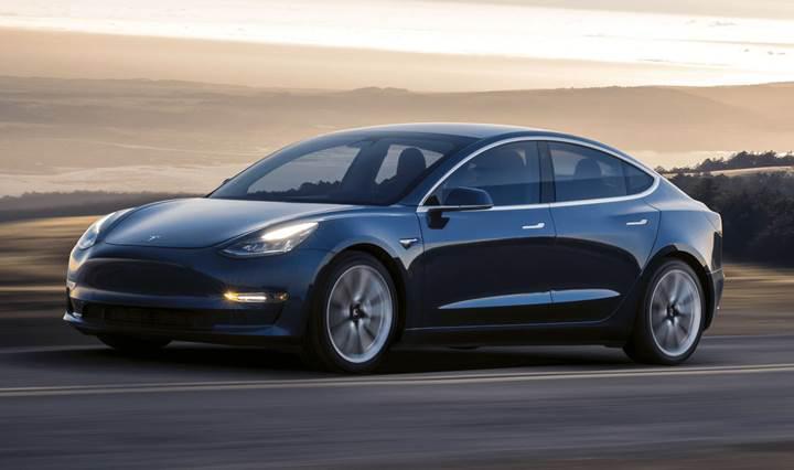 Elon Musk, Model 3 rezervasyonlarının 500.000'i geçtiğini doğruladı