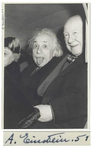 Einstein'ın meşhur dil çıkaran fotoğrafı 125 bin dolara satıldı
