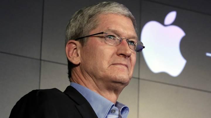 Tim Cook, Apple'ın büyük bir otonom proje üzerinde çalıştığını söyledi