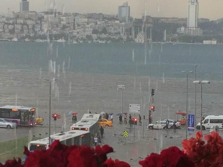İstanbul'daki sel ve dolunun bilançosu belli oldu