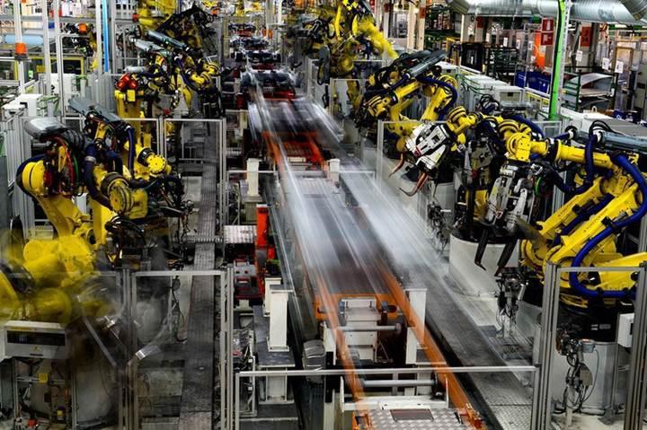 Çin üretimde robotlaşma konusunda rekora koşuyor