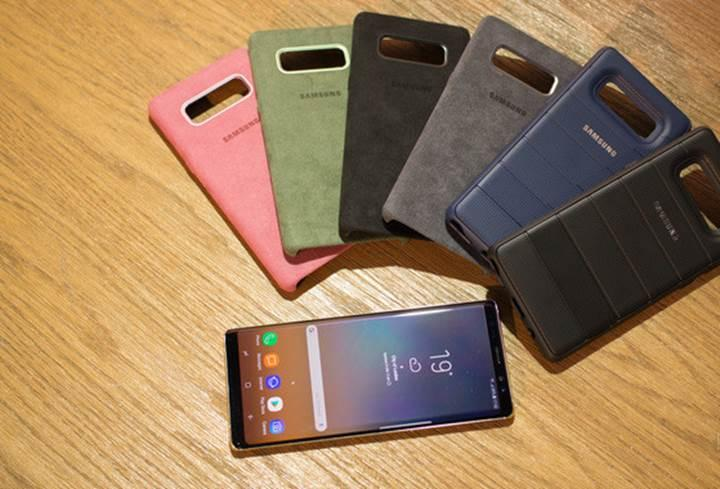 Samsung'dan Galaxy Note 8'e özel alkantara kılıf
