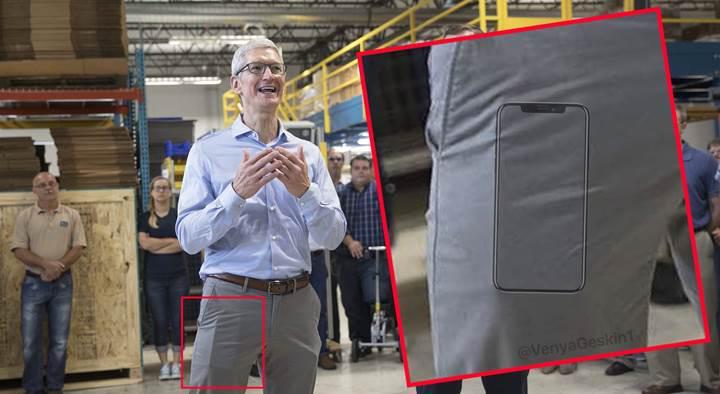 Apple CEO'su Tim Cook'un cebindeki telefon iPhone 8 mi?