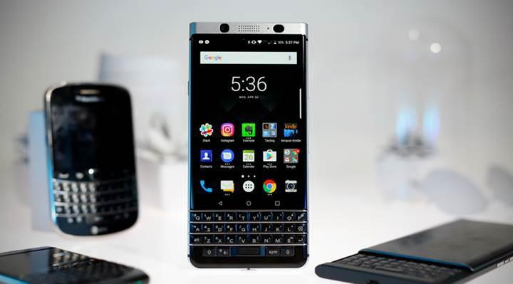 İlk suya dayanıklı BlackBerry klavyesiz olarak geliyor