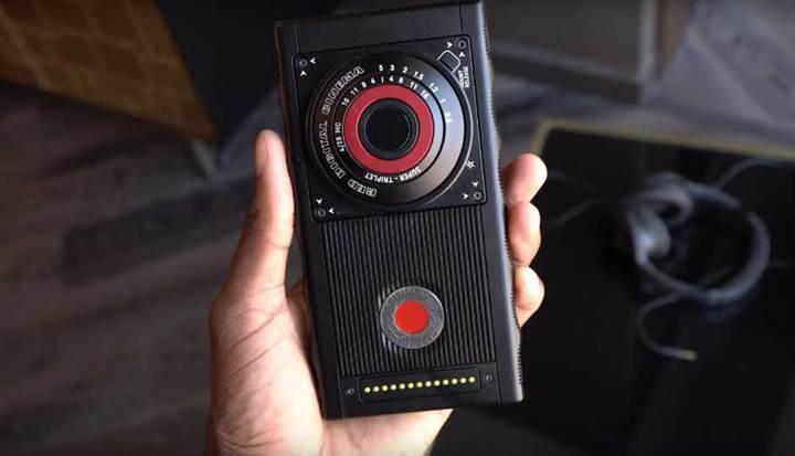 RED yeni holografik akıllı telefonu için Leia ile işbirliği yapıyor