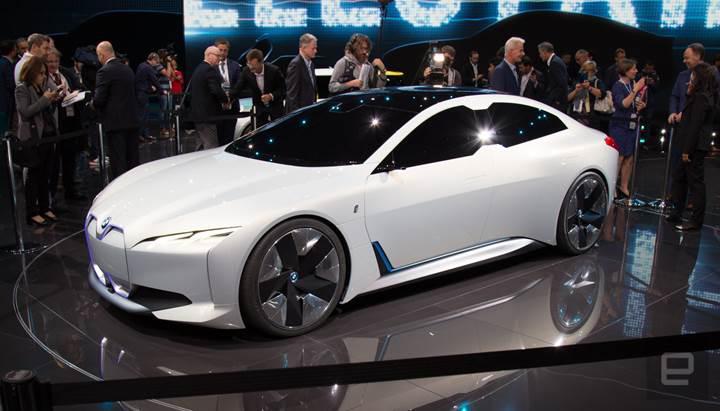 BMW'den yeni elektrikli konsept araç: i Vision Dynamics