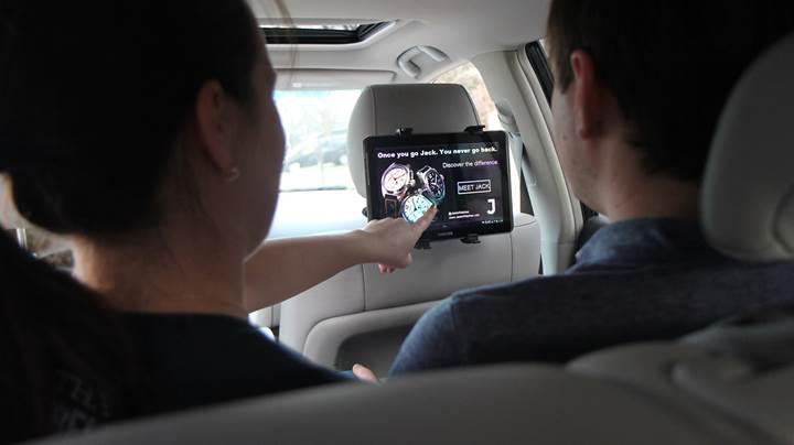 Adobe, reklamları otomobillere taşıyor