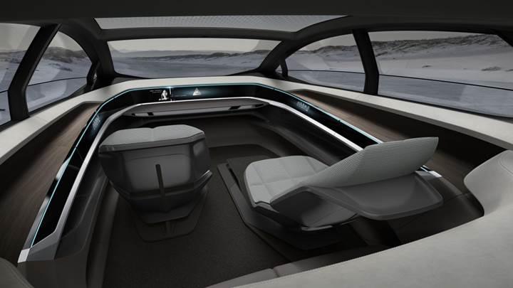 Audi'nin otonom elektrikli otomobil konsepti 'Aicon' büyüledi