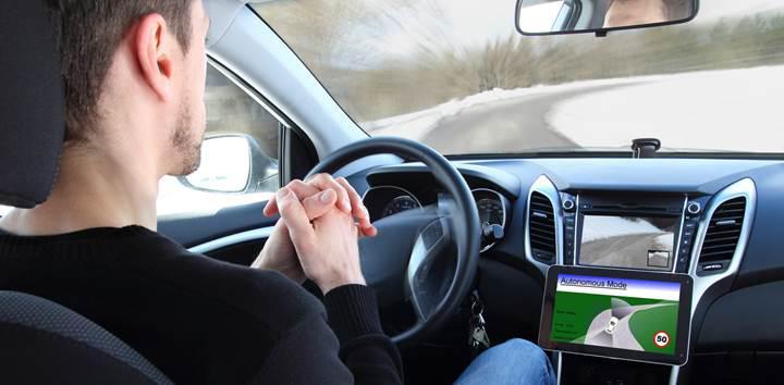 Sürücüsüz araçlar güvenli ancak gizlilik tehlikesi taşıyor