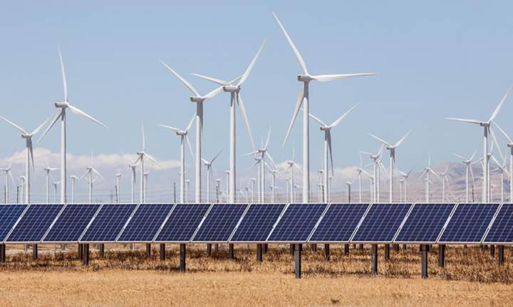 Büyük ölçekli hibrit (güneş + rüzgar) enerji sistemleri yaygınlaşıyor