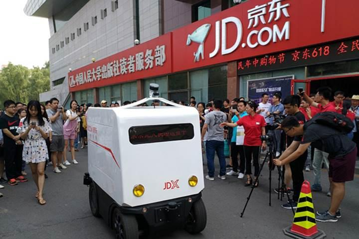Çinli JD sürücüsüz dağıtım araçlarını yola çıkardı