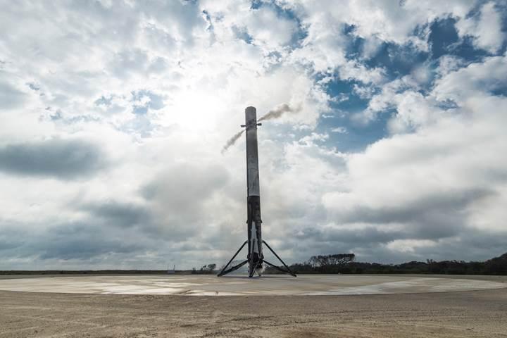 SpaceX, 48 saat içerisinde iki roket indirmeye hazırlanıyor