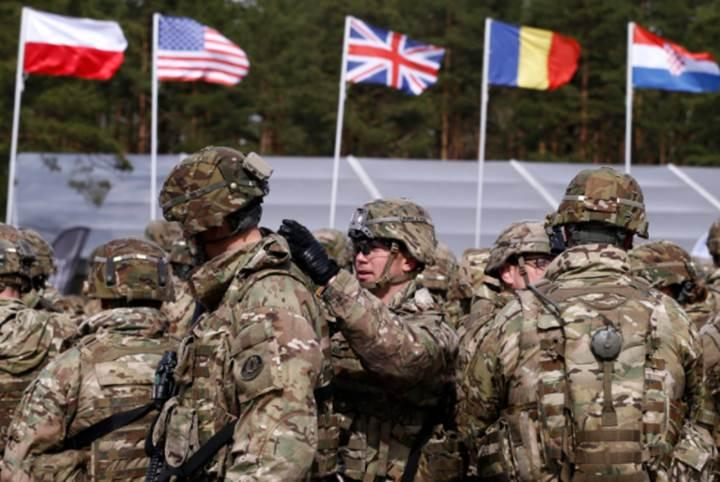Rusya, NATO askerlerinin telefonlarına saldırıyor iddiası