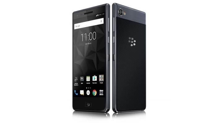 İlk su geçirmez BlackBerry telefonu resmiyet kazandı