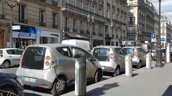 Paris'te 2030 yılından itibaren sadece elektrikli otomobiller olacak