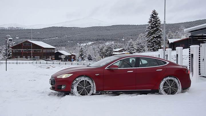Norveç'ten elektrikli otomobillere ''Tesla Vergisi'' gelebilir