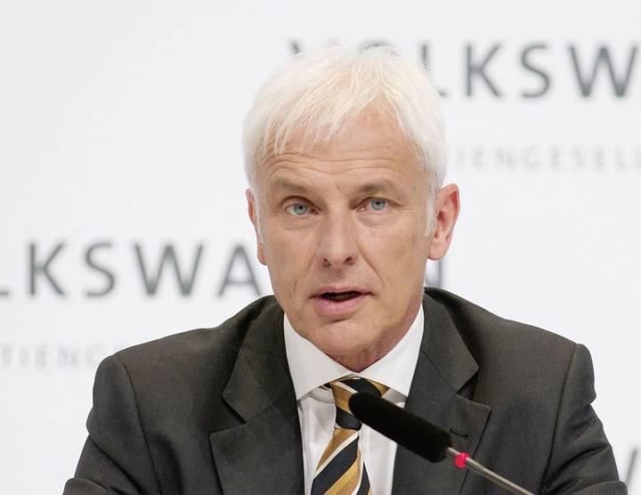 VW CEO'su Tesla'yı milyonlarca dolar kaybetmesi ve düşük araç satışları için eleştirdi