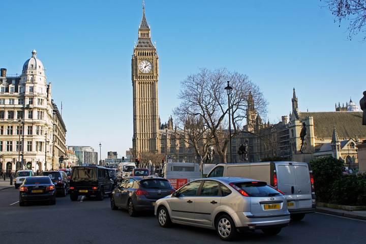 Londra'ya eski araçlarla giriş ücreti günlük 21.5 sterlin