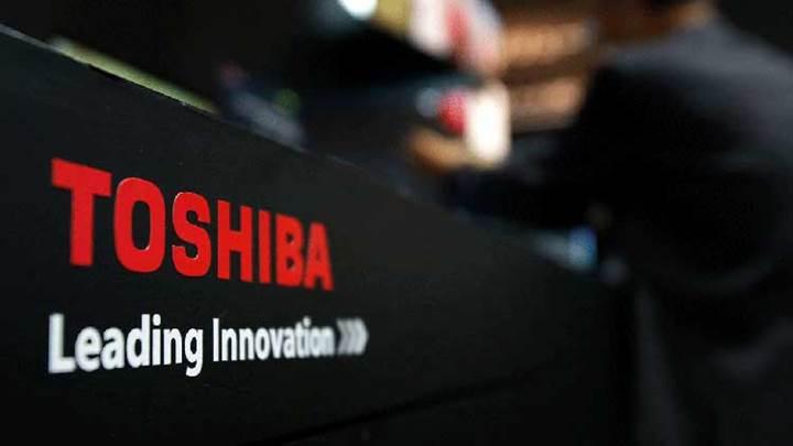 Toshiba 1 milyar dolarlık zarar bekliyor