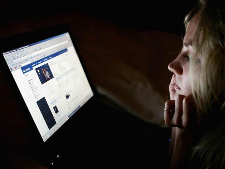 Facebook'tan açıklama: Kimsenin konuşmalarını dinlemiyoruz