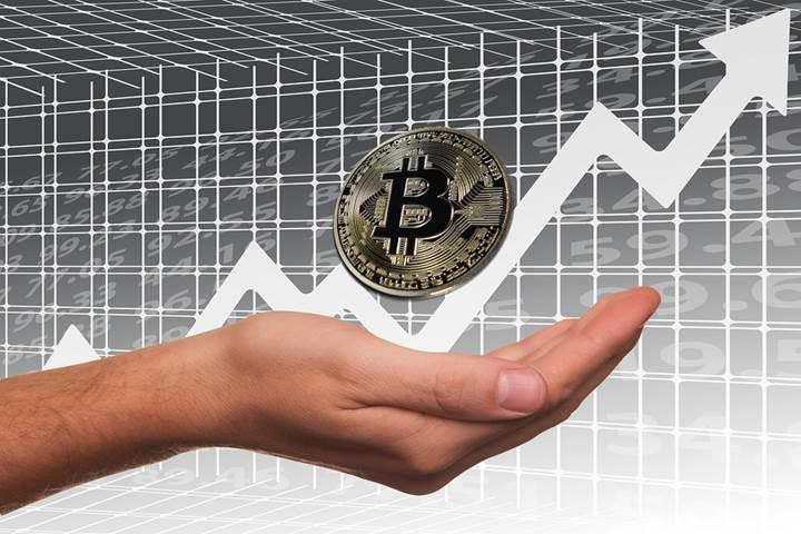 Dünyanın en büyük borsa operatörü bitcoin vadeli işlemleri başlatıyor