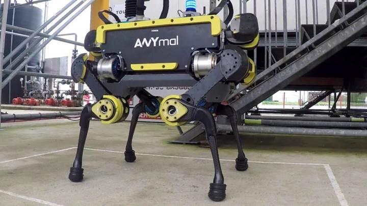 Merdiven çıkabilen robotu unutun asansöre binebilen robot geliştirildi