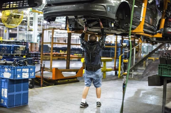 Ford fabrika işçilerine Iron Man tarzı dış iskelet giydirmeye başladı