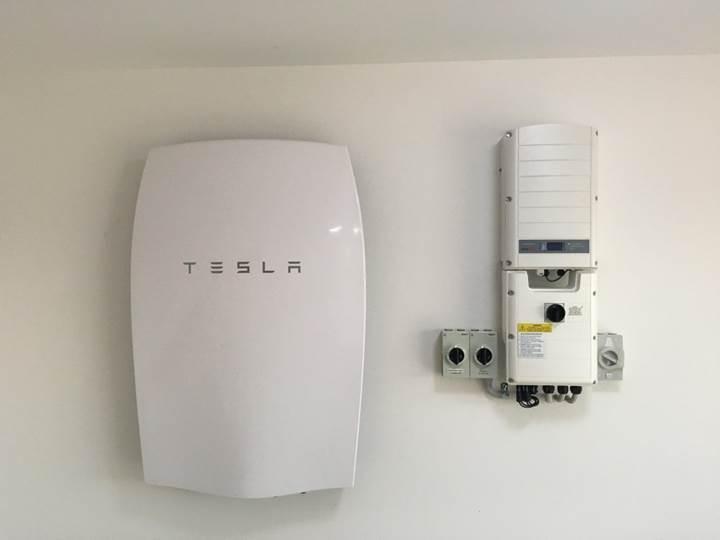 Tesla'dan üçüncü havalimanı için enerji depolama tesisi teklifi