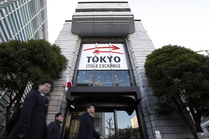 Toshiba Tokyo Menkul Kıymetler Borsası'nda kalmak için hisse satışı gerçekleştirebilir