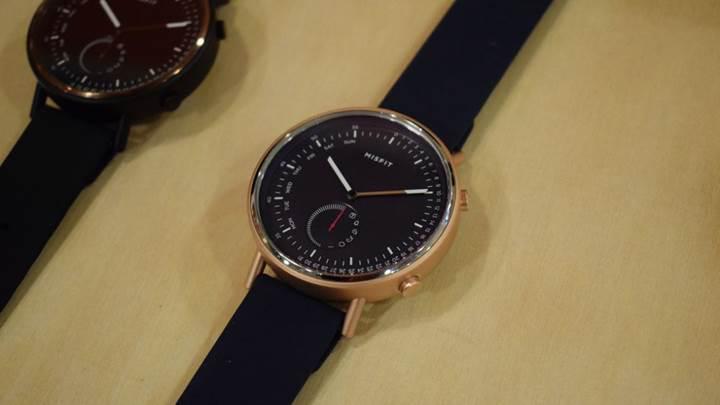 Misfit Command akıllı saati bir yıl şarj gerektirmiyor