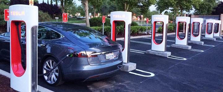 Elektrikli araçların şarj istasyonlarından lisans alınmayacak