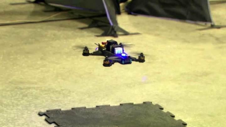 Yapay zekalı Drone insan kontrolündeki rakibine yarışı kılpayı kaybetti