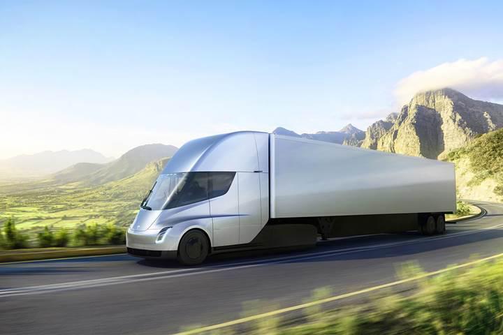 Tesla Semi'ye ait hızlanma videoları internete düşmeye başladı