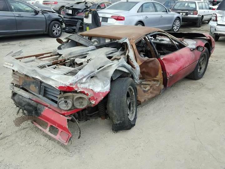 Yanıp kül olan Ferrari 512 BB tam 40 bin dolara alıcı buldu