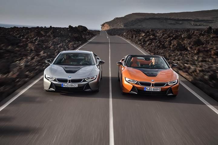 İşte karşınızda yeni BMW i8 Roadster ve güncellenmiş i8 Coupe