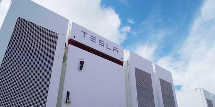 Tesla'nın dev enerji depolama tesisi çalışmaya başladı