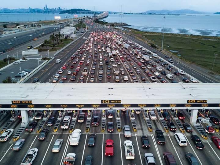 Kaliforniya 2040'a kadar benzinli ve dizel araçları yasaklamayı planlıyor