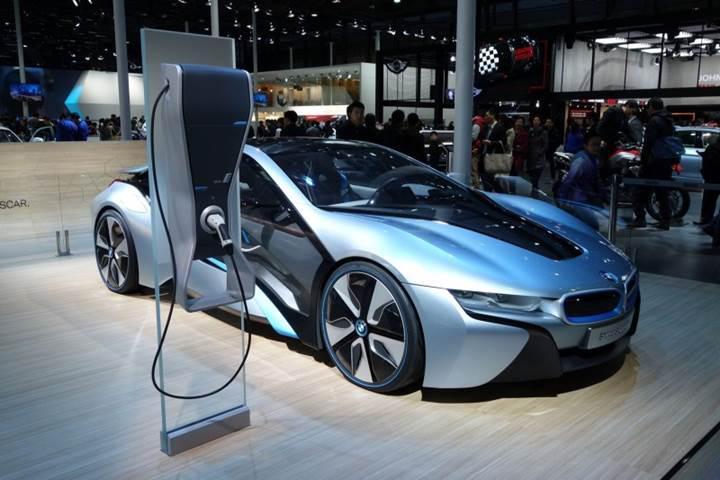 BMW'nin elektrikli araç pilleri 15 yıllık kullanım ömrüne sahip