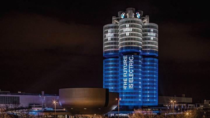 BMW, 2017'de 100.000'den fazla elektrikli araç sattı