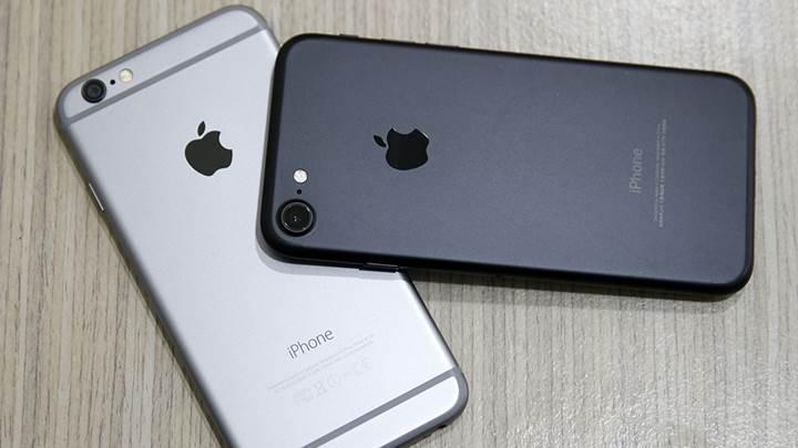 HTC ve Motorola: Apple gibi eski telefonlarımızı yavaşlatmıyoruz!