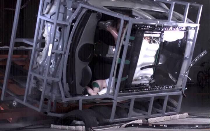 Hyundai dünyanın ilk panoramik sunroof hava yastığı sistemini tanıttı