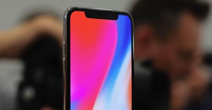 iPhone X'un OLED ekranı ne kadar süre geçince yanma belirtileri gösteriyor?
