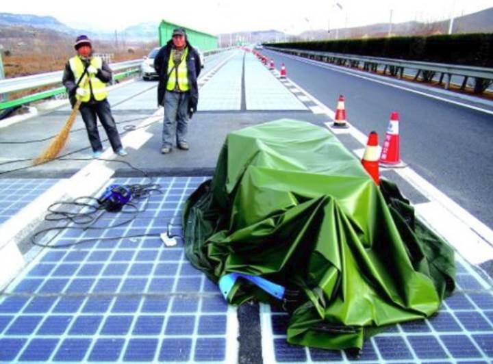 Çin'in güneş enerjili yolu hırsızların kurbanı oldu