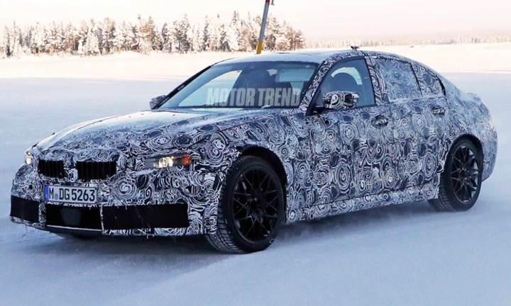 2020 BMW M3 modeli kamuflajlı olarak kış testlerinde yakalandı