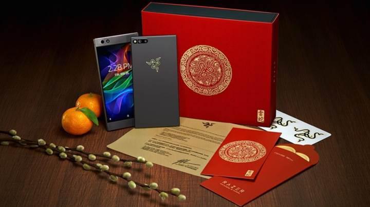 Sınırlı sayıda üretilen altın Razer logolu Razer Phone tanıtıldı