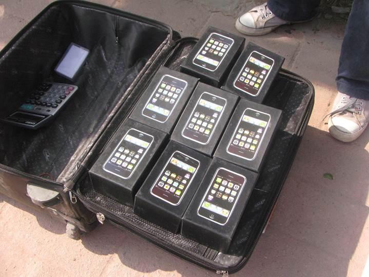 1 milyon dolarlık sahte iPhone satışı yapan Çinli hapis cezası aldı
