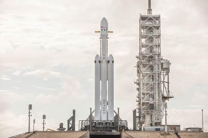 SpaceX'in bu haftaki çılgın planı: 3 farklı roketi aynı anda indirecekler