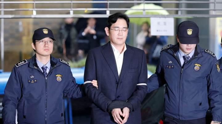 Hapisteki Samsung veliahtına sürpriz tahliye